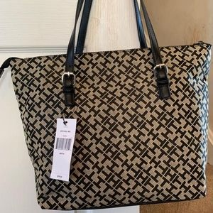 Tommy Hilfiger Zip Close Tote Purse